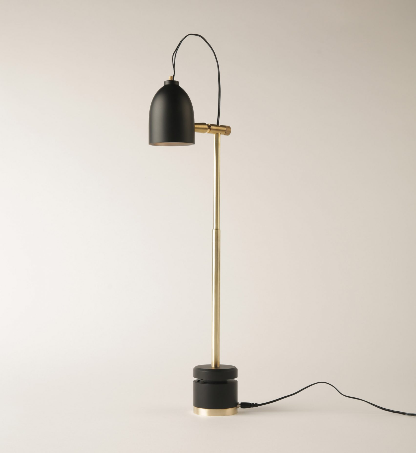 video-elitsa-boneva-made.com-talentlab-lamp-lighting-design-movie_dezeen_2364_col_25-1704x1855